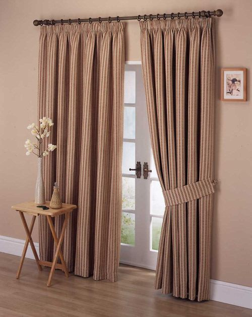 Curtains room_11