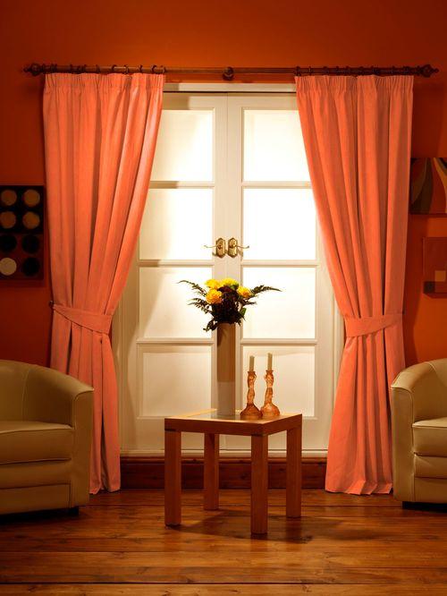 Шторы для оранжевой кухни фото