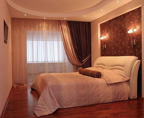 shtory_dlya_spalni_s_balkonom_06