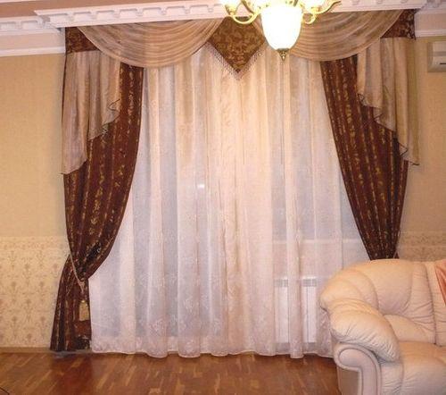 sovremennye_shtory_dlya_zala_s_balkonom_02