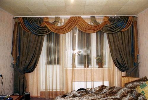 sovremennye_shtory_dlya_zala_s_balkonom_07