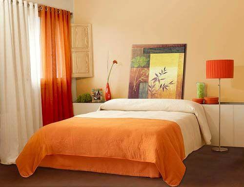 Сочетание бежевых цветов в спальне