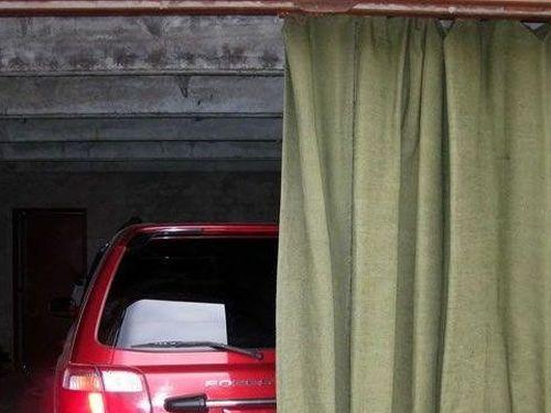 Брезентовые шторы в гараж
