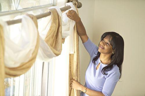 Как стирать шторы?