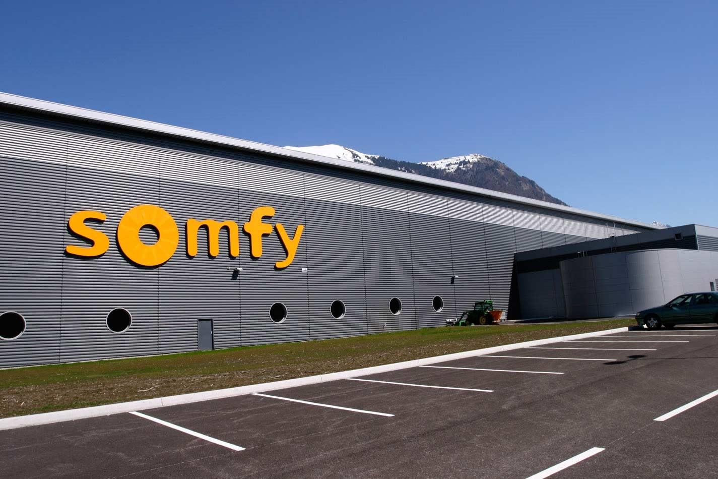 Почему все выбирают электрокарнизы от Somfy?