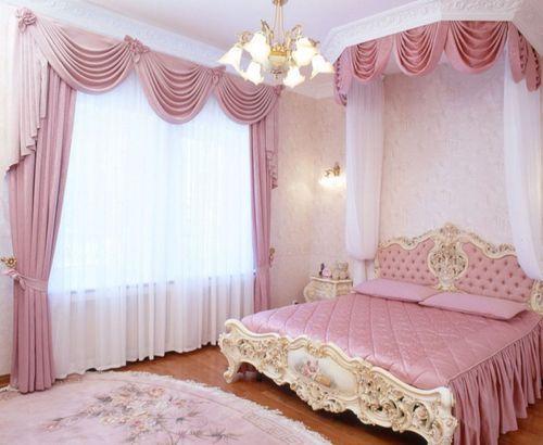 Белая тюль в спальне